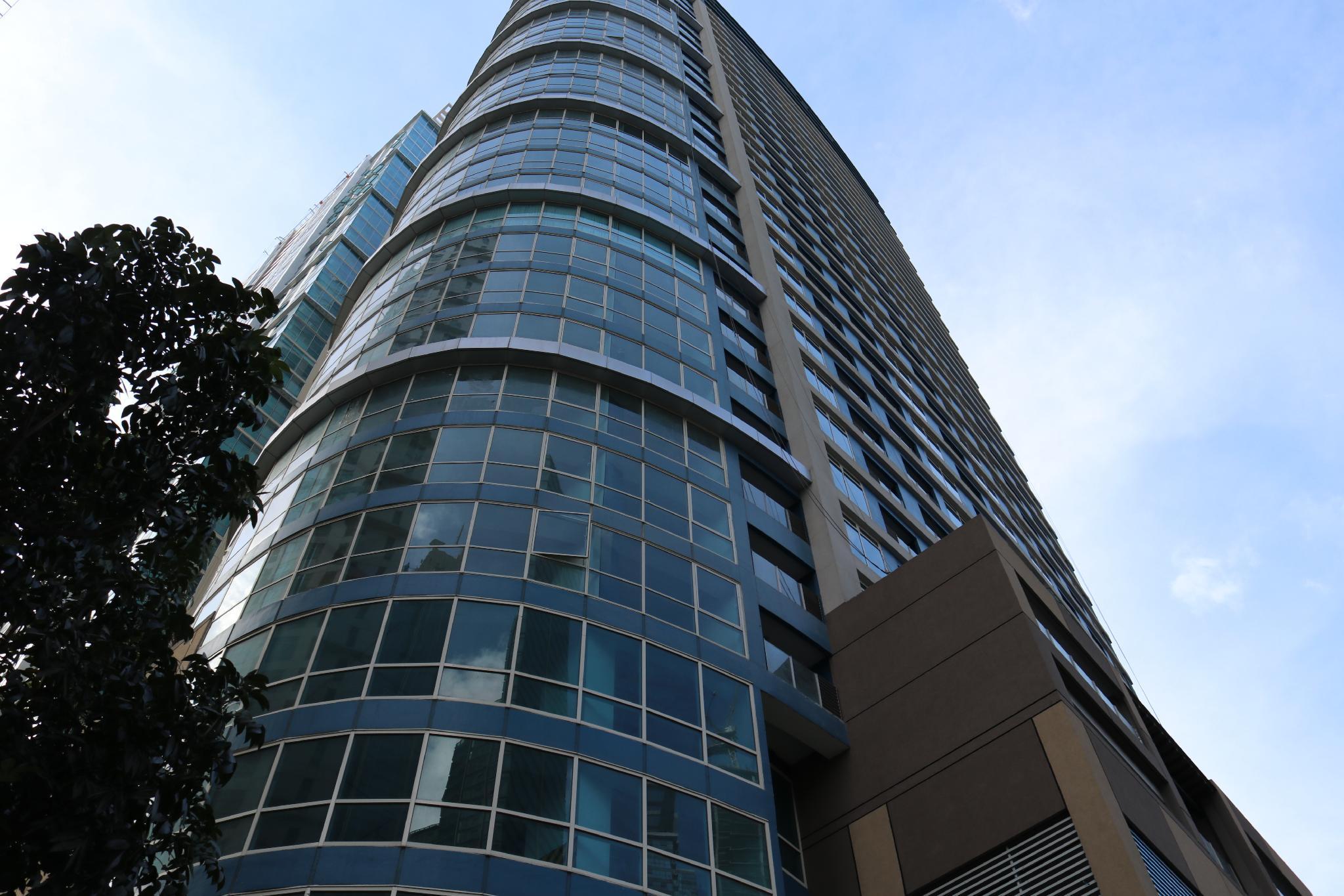 BGC Luxury Condo with Amazing City View