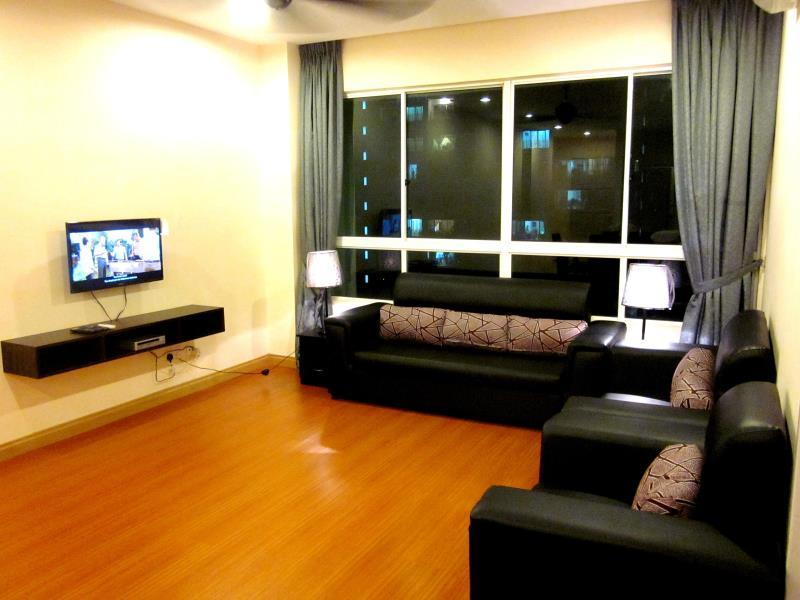 D 1B Guesthouse Condo At 1Borneo Homestay