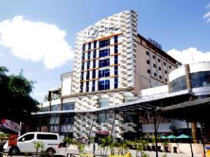 グランド ダファム Q ホテル バンジャルバル II DHM シャリア (Grand Dafam Q Hotel Banjarbaru II DHM Syariah)