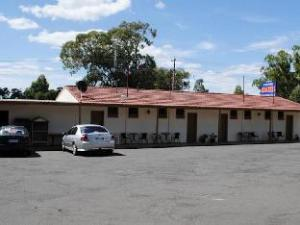 Golden Hills Motel