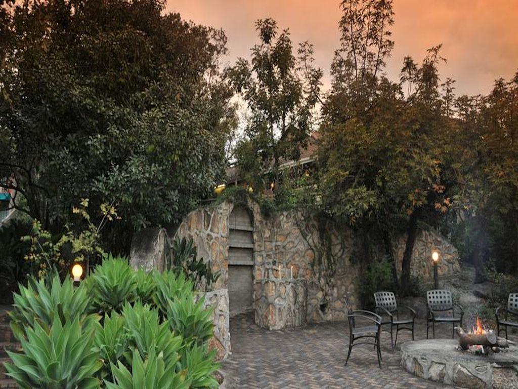 Sunset Manor
