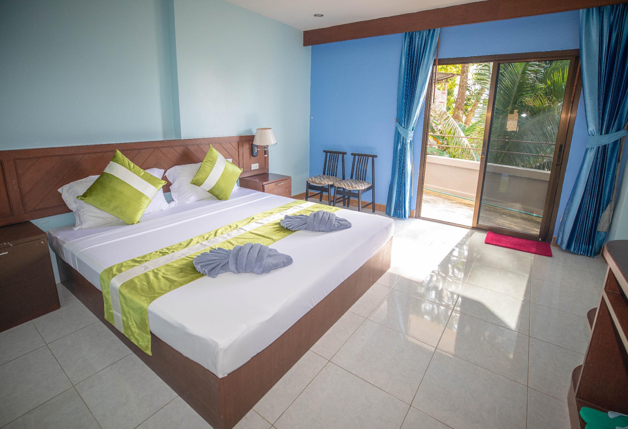 DS Hotel Double Room + Double Balcony view 87 วิลลา 1 ห้องนอน 1 ห้องน้ำส่วนตัว ขนาด 36 ตร.ม. – ป่าตอง