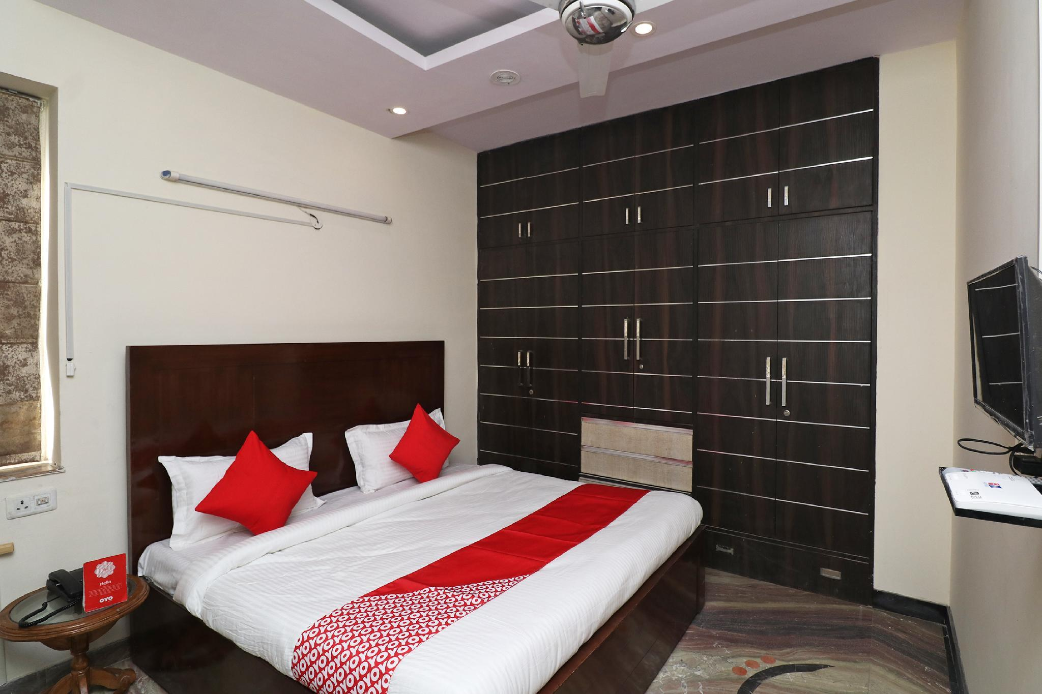 OYO 37652 Fountain Hotel