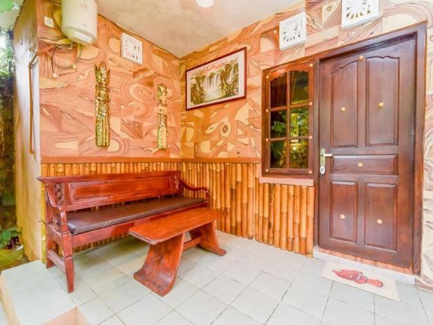 RedDoorz Plus near Tirta Empul Temple Ubud
