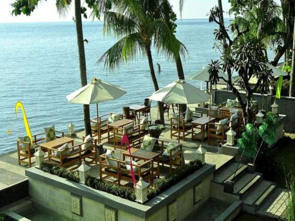 Nugraha Lovina Seaview Resort & Spa Bali