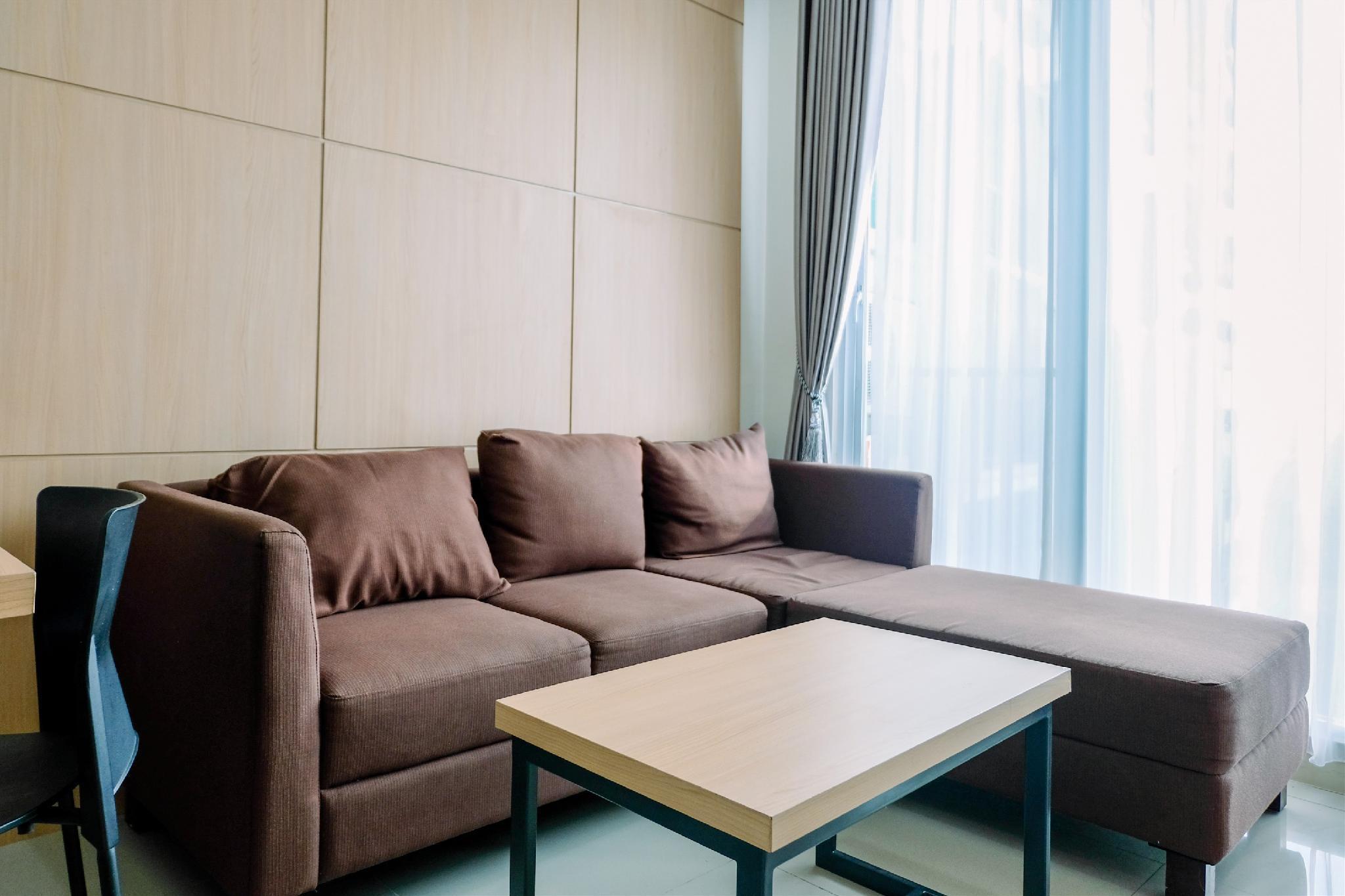 Comfortable 1BR Tree Park Apartment By Tarvelio