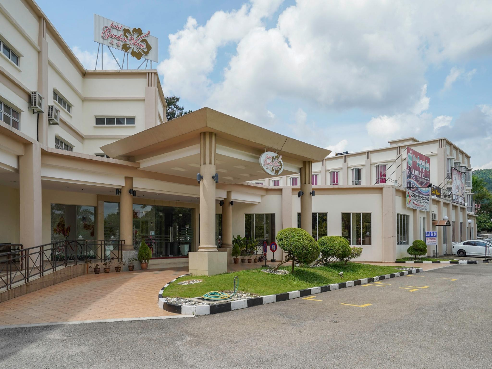 OYO Capital O 999 Garden View Hotel