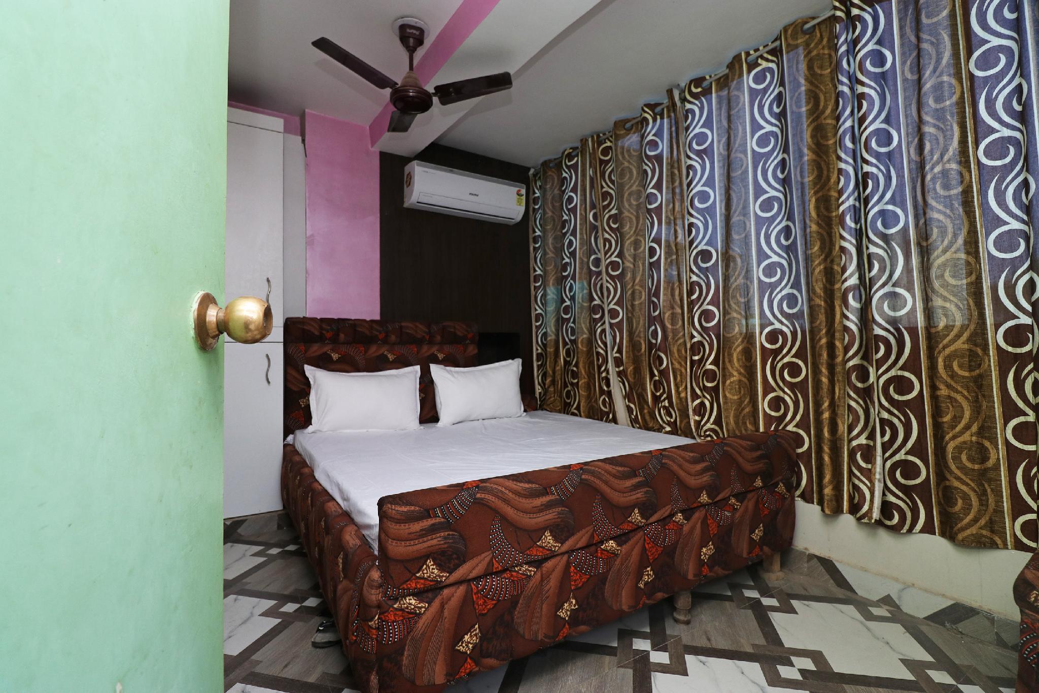 SPOT ON 37907 Hotel Devdoot