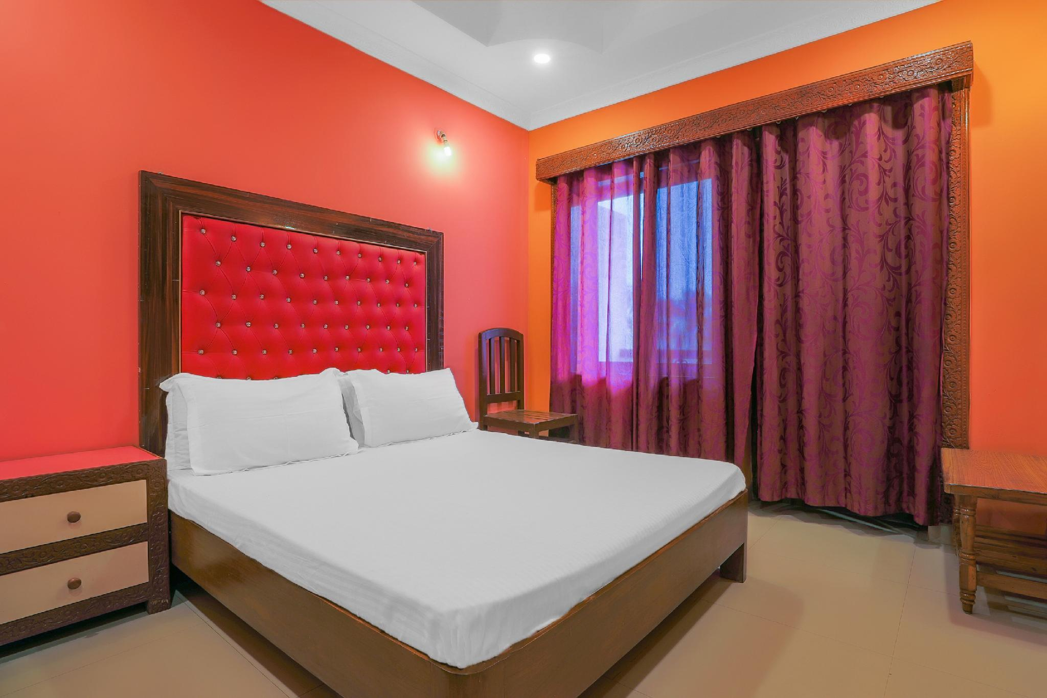 SPOT ON 38721 Hotel Mir Palace
