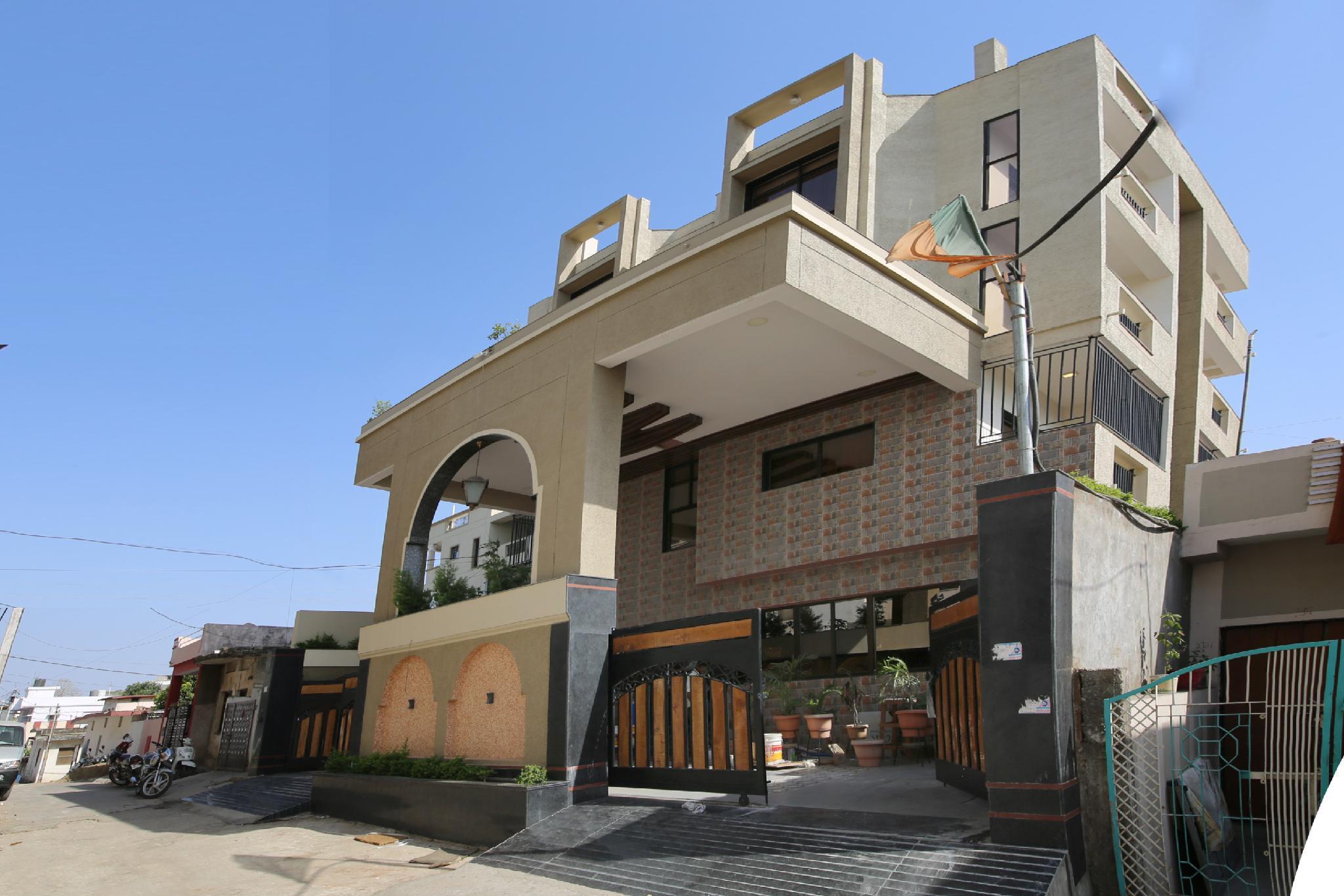 Capital O 36691 Hotel Aashirwad Inn