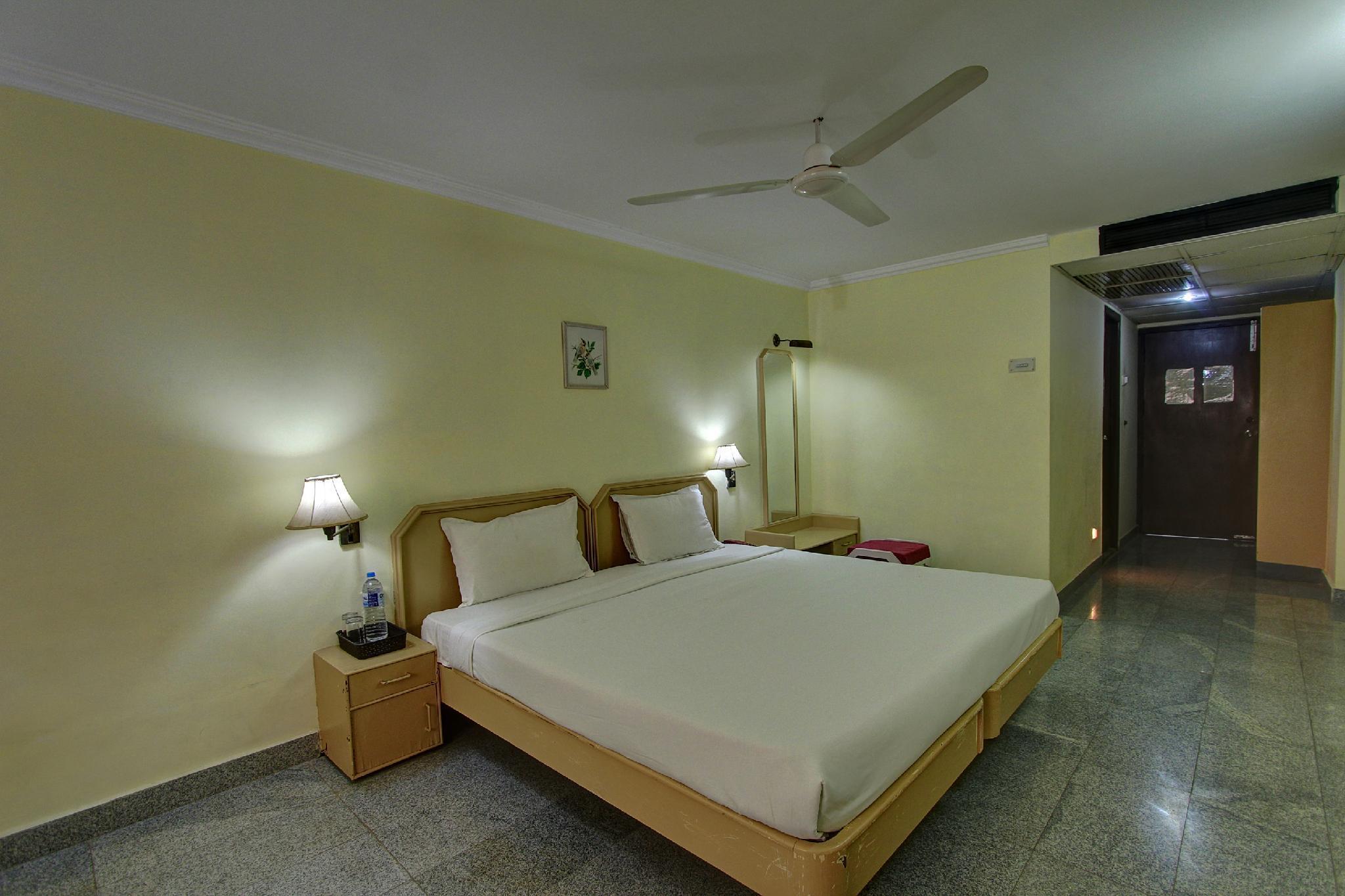SPOT ON 33415 Hotel Oriental Towers