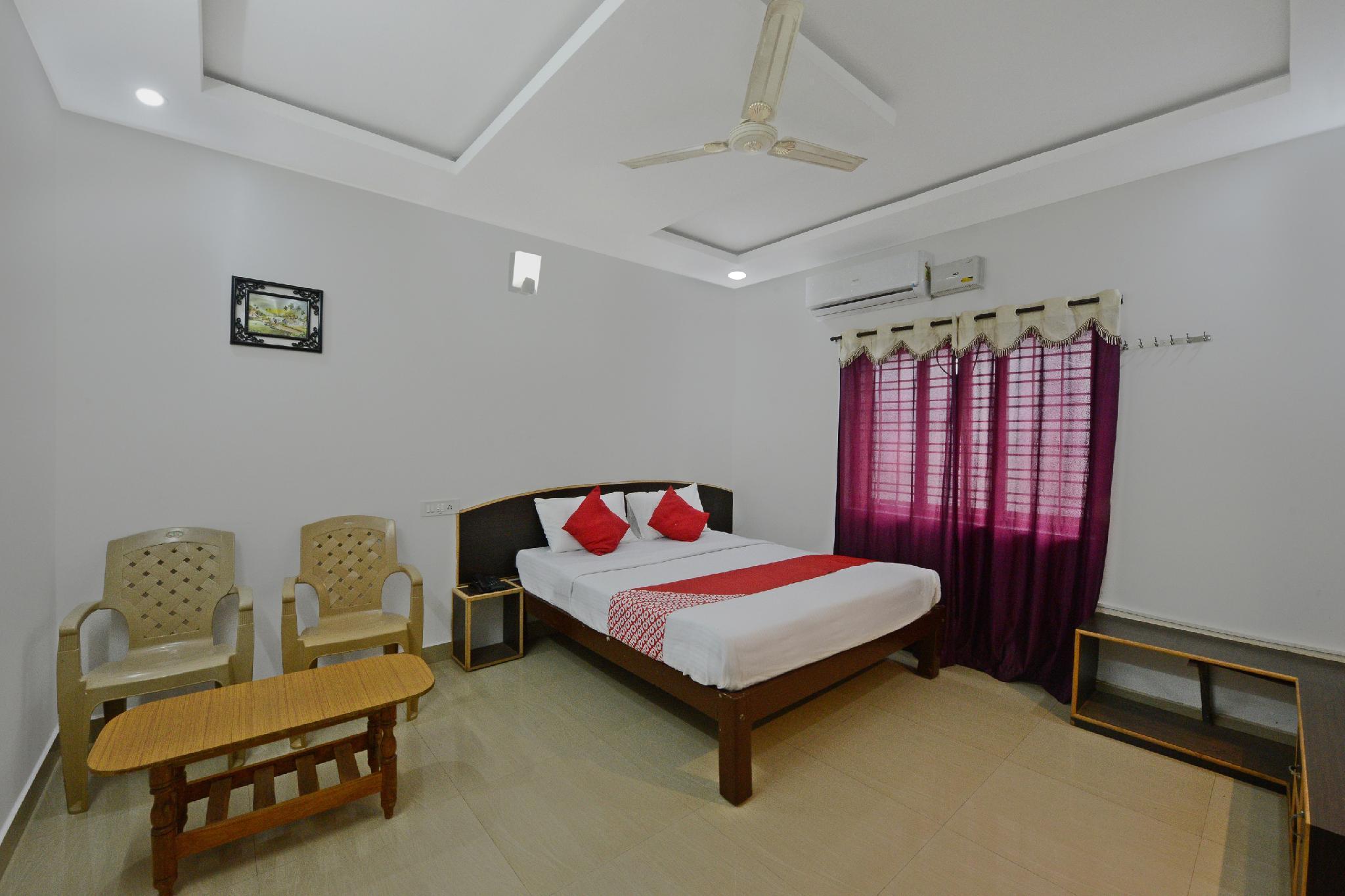 OYO 33422 Sri Adarsha Homestay