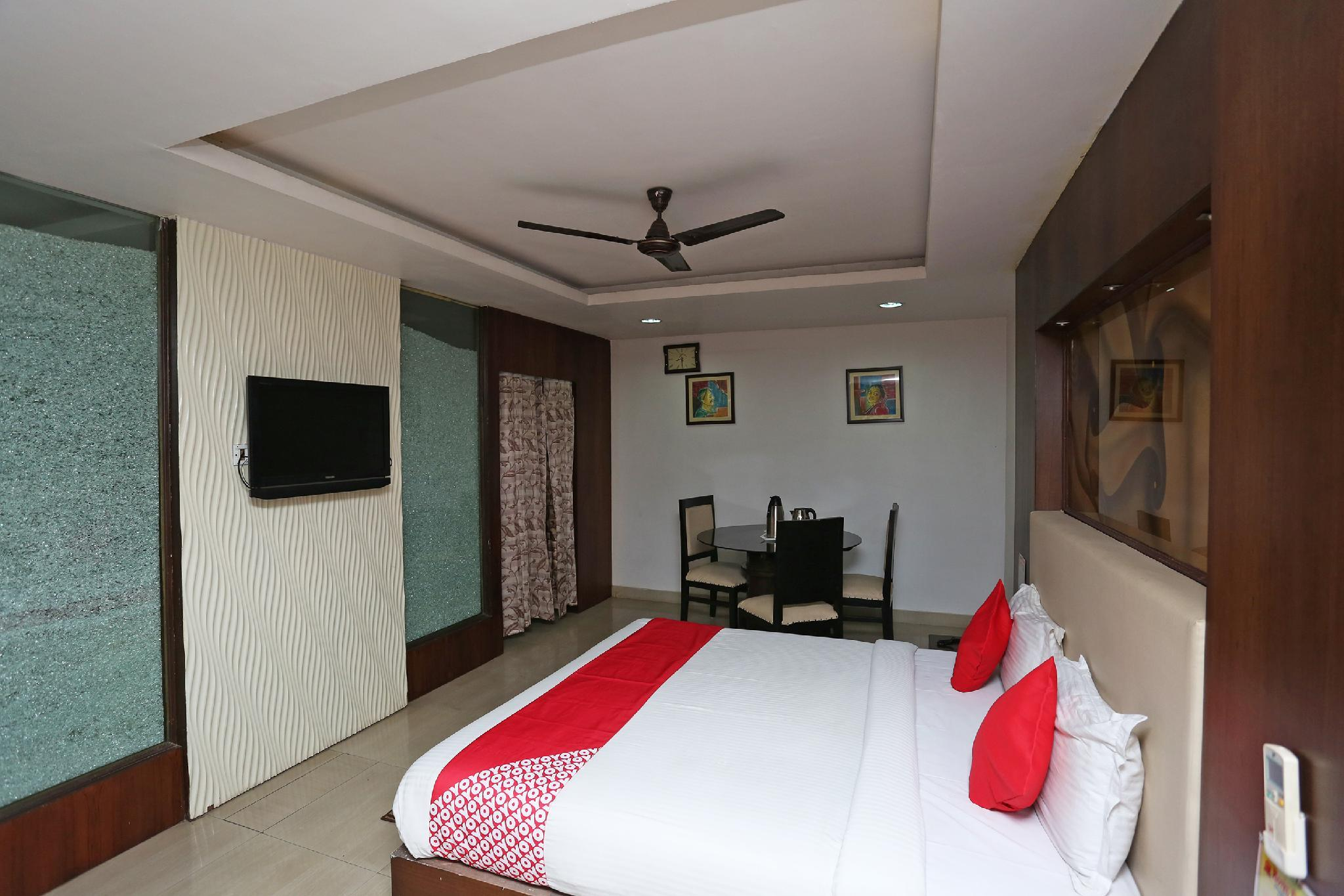 OYO 37767 Hotel Durga