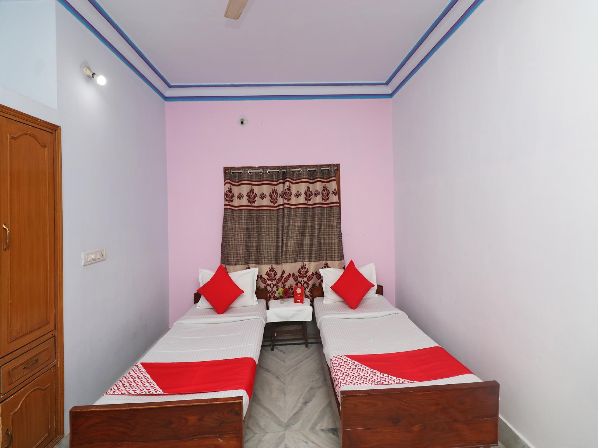 OYO 30180 Aadhya Residency