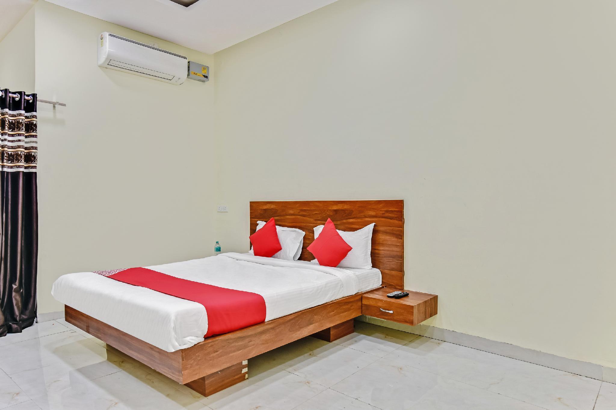 OYO 38656 Hotel Siddheshwar