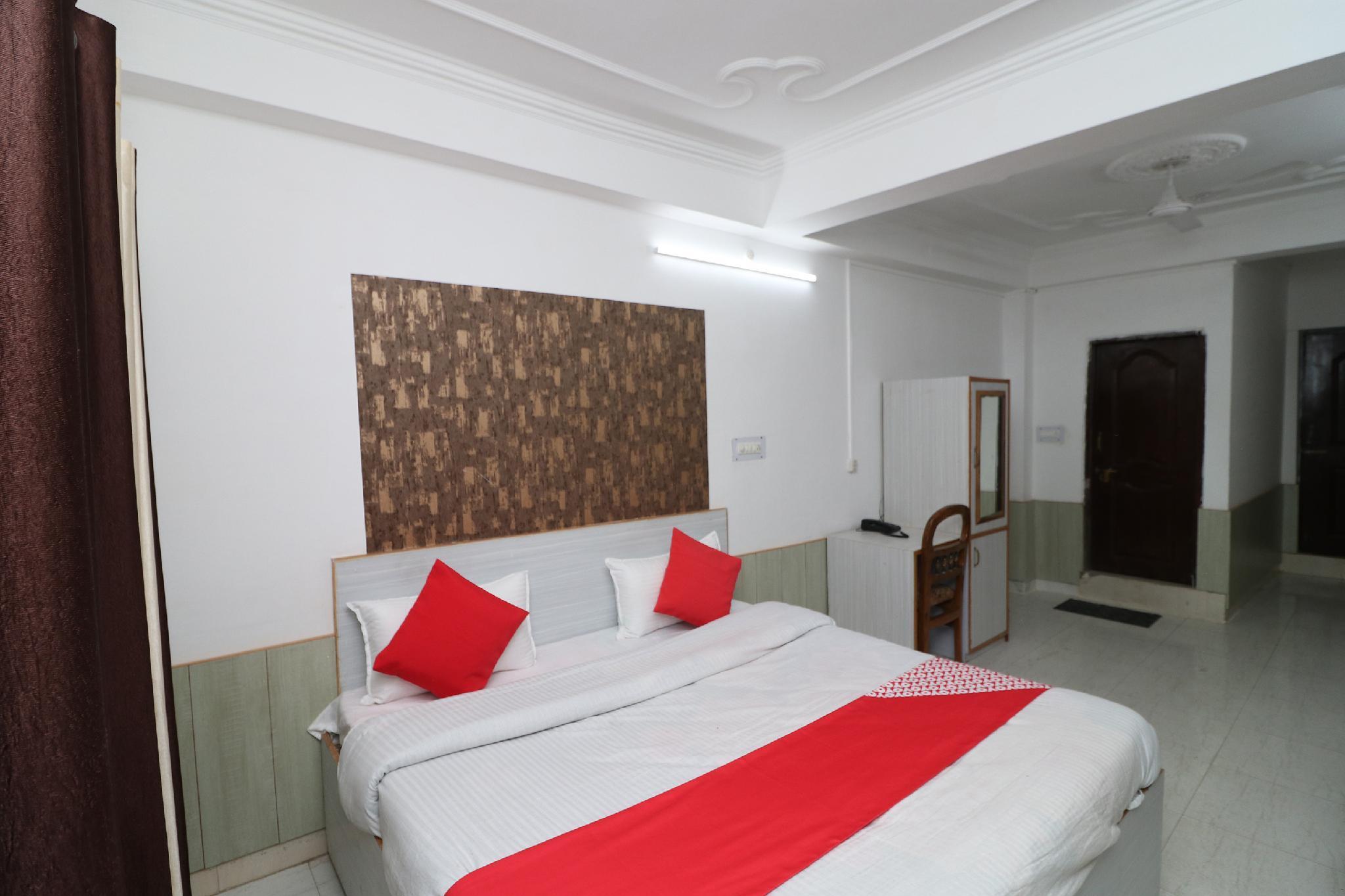 OYO 38090 Sharma Cottage