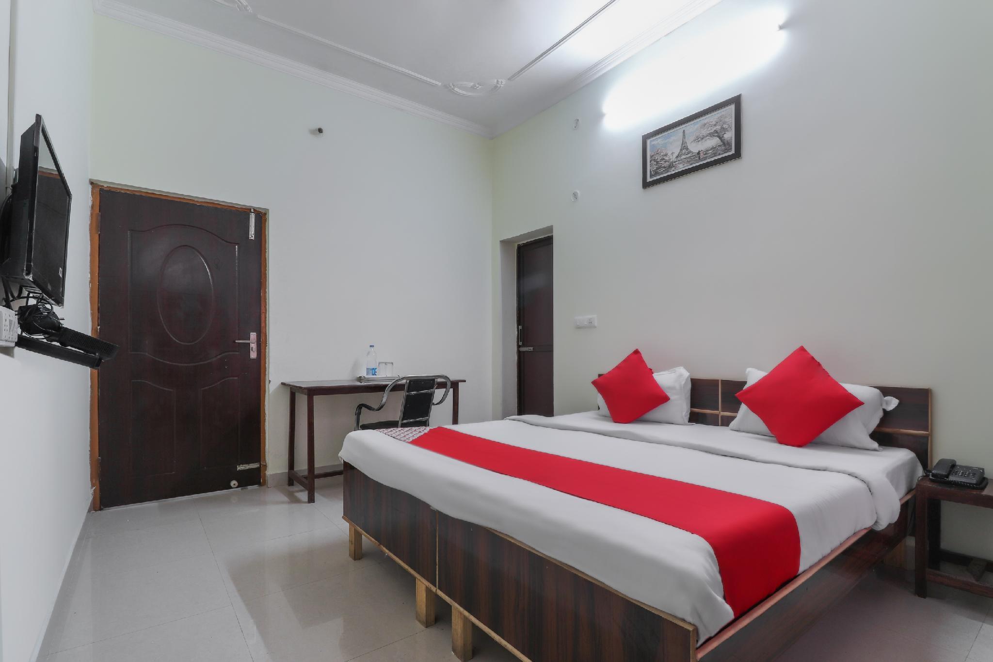 OYO 24664 Raj Inn 2