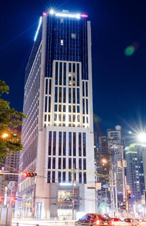 Golden Tulip Haeundae Hotel and Suites Busan