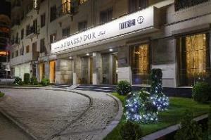 アンバサダー ホテル (Ambassador Hotel)