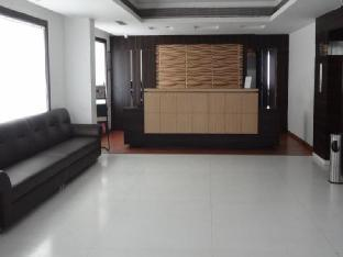Фото отеля Hotel Sheela Shree Plaza