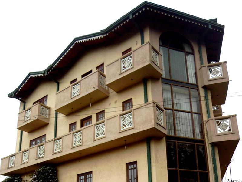 Cedaar Wood Hill Hotel