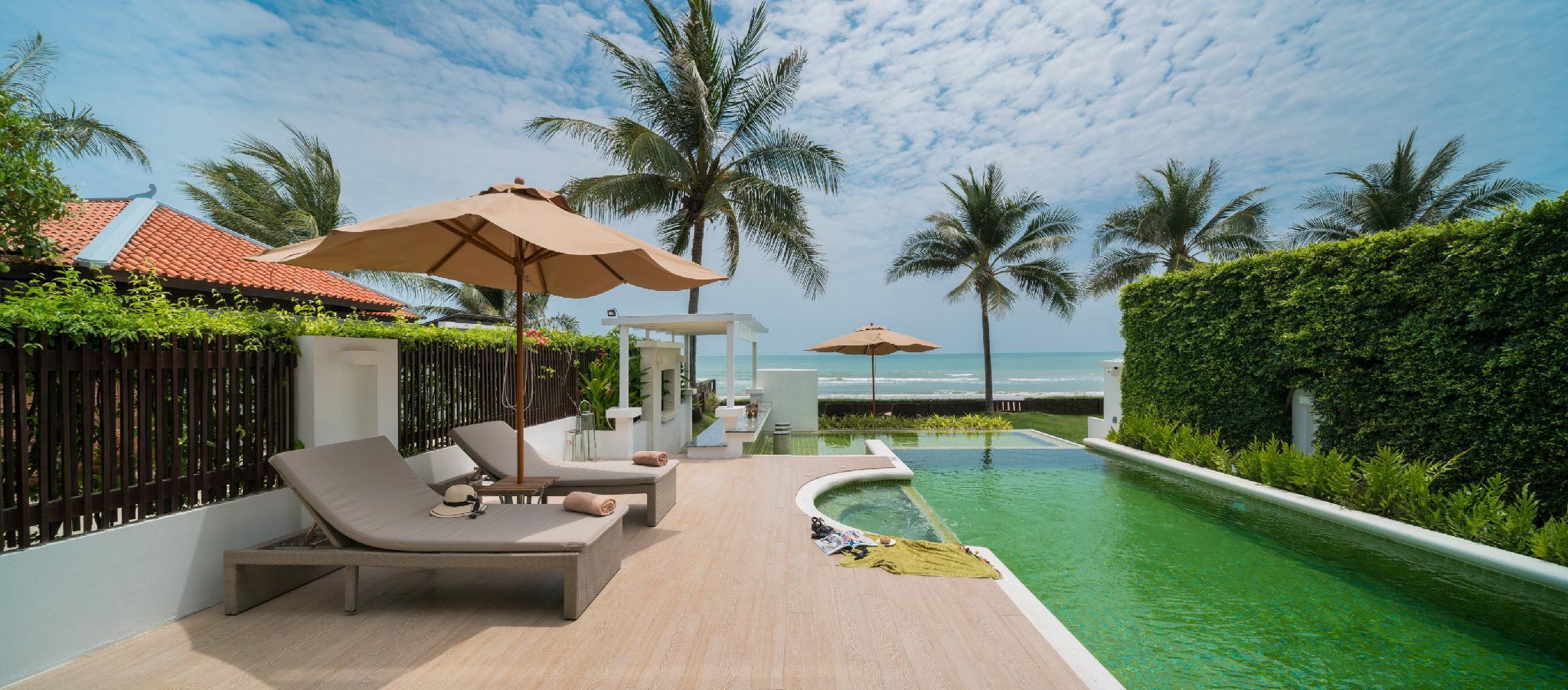 Stunning 8 Bedroom Beachfront Villa Combo