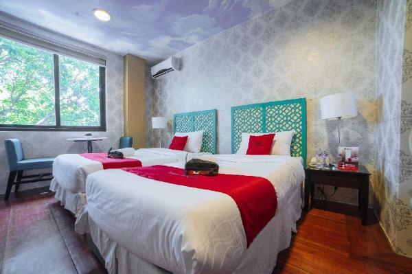 RedDoorz Plus @ Aguirre Ave BF Homes Manila