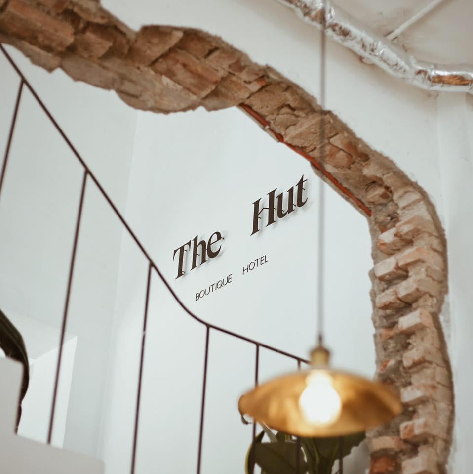 The Hut Boutique Hotel   Notre Dame
