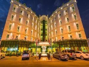 โรงแรมอโรนานี (Aronani Hotel)