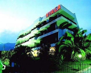 尼亞拉套房酒店