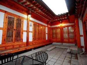 Hue N Hue Hanok Guesthouse