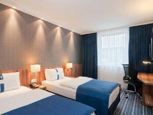 Фото отеля Holiday Inn Express Wakefield