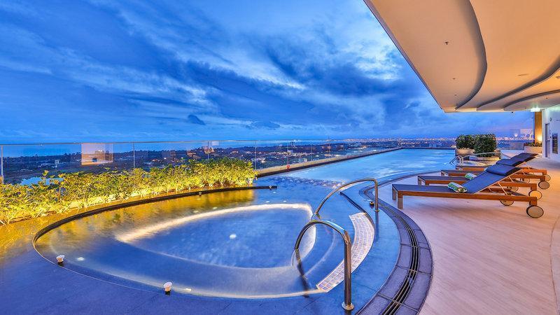 Holiday Inn & Suites Rayong City Centre ฮอลิเดย์ อินน์ แอนด์ สวีท ระยอง ซิตี้ เซ็นเตอร์