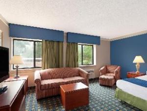 Baymont Inn And Suites Memphis East