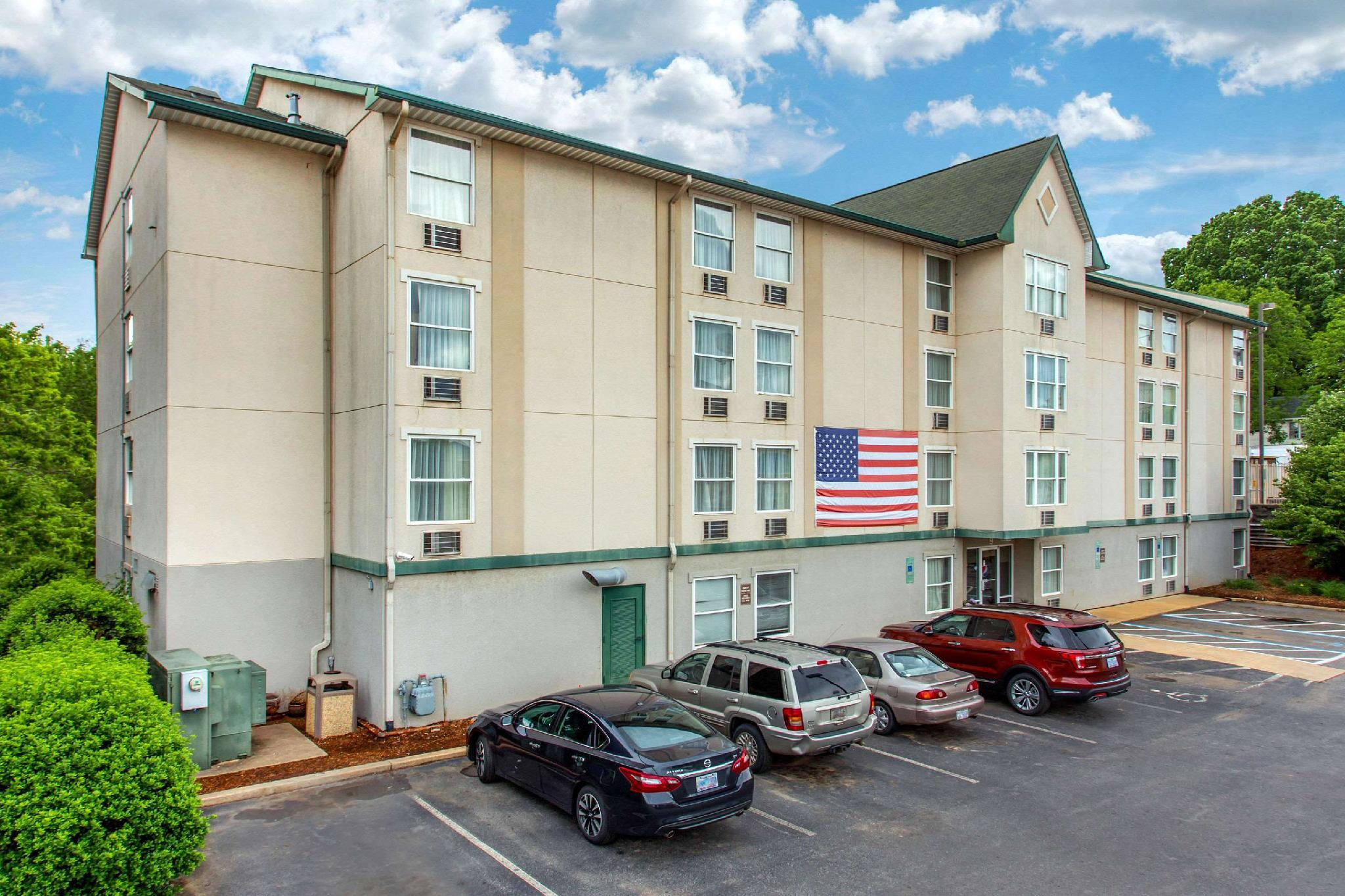 Rodeway Inn And Suites Near Outlet Mall   Asheville