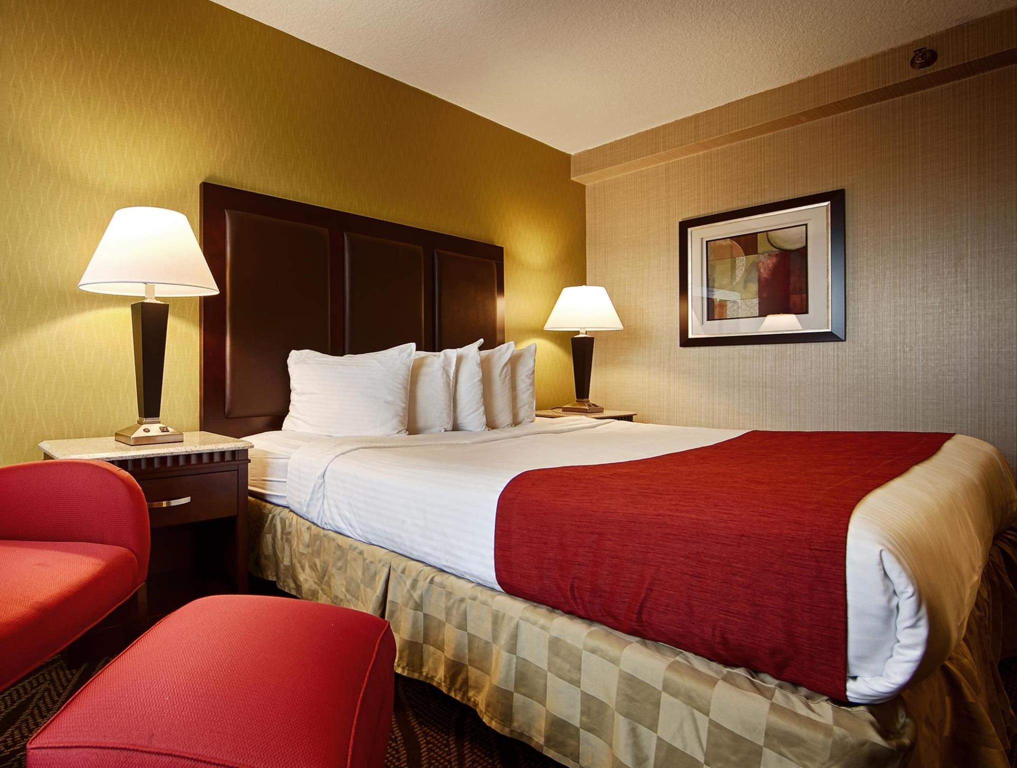 Best Western Mill River Manor Hotel