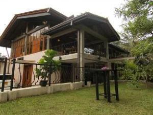 River Gardens Kandy Hotel
