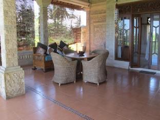 Puri Puncak Bukit Villa