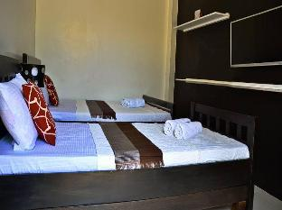 picture 4 of AA Travellers Pad Hotel