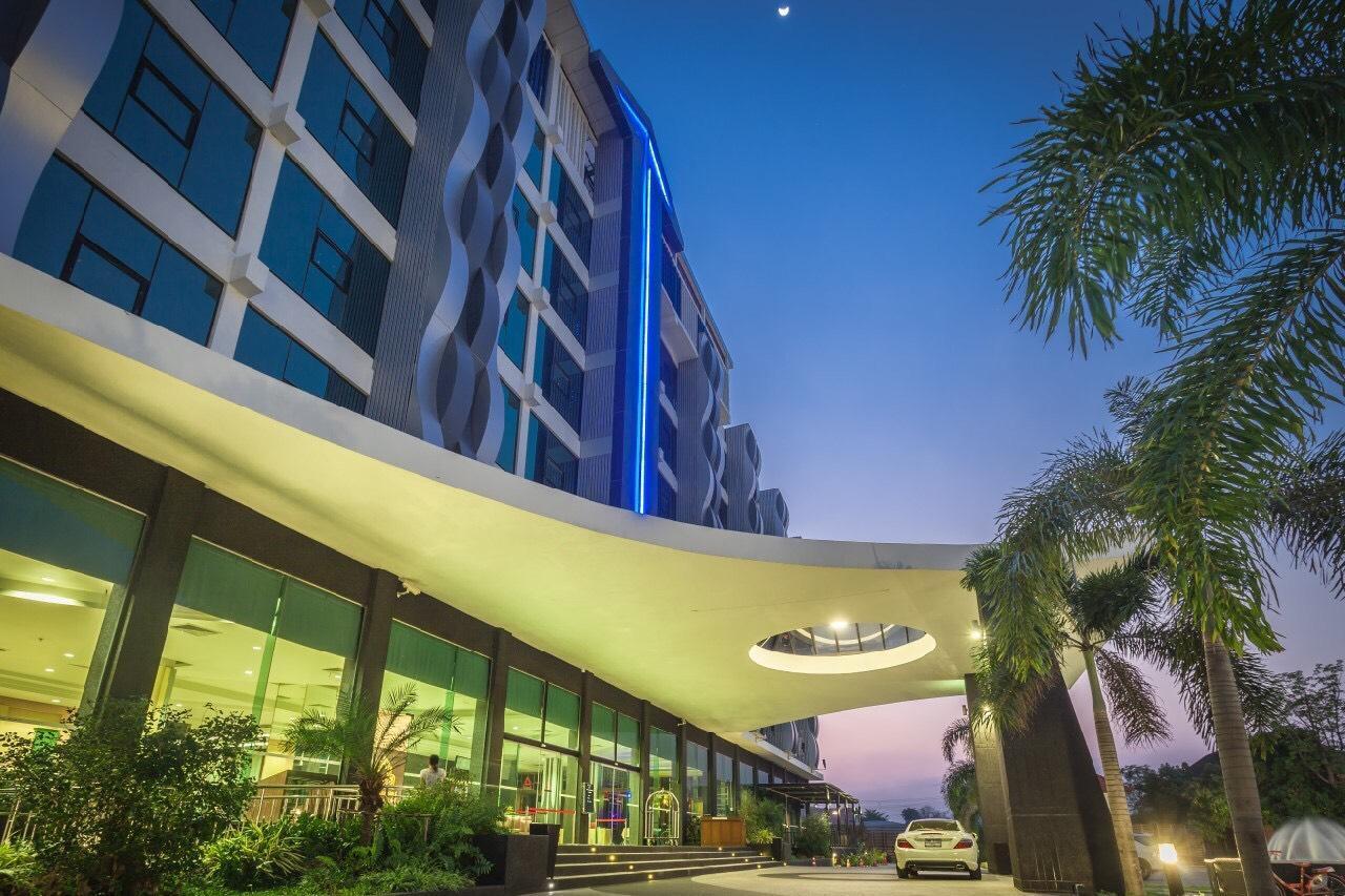 Alvarez Hotel (SHA Certified)