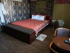 Goodstay Opera Motel
