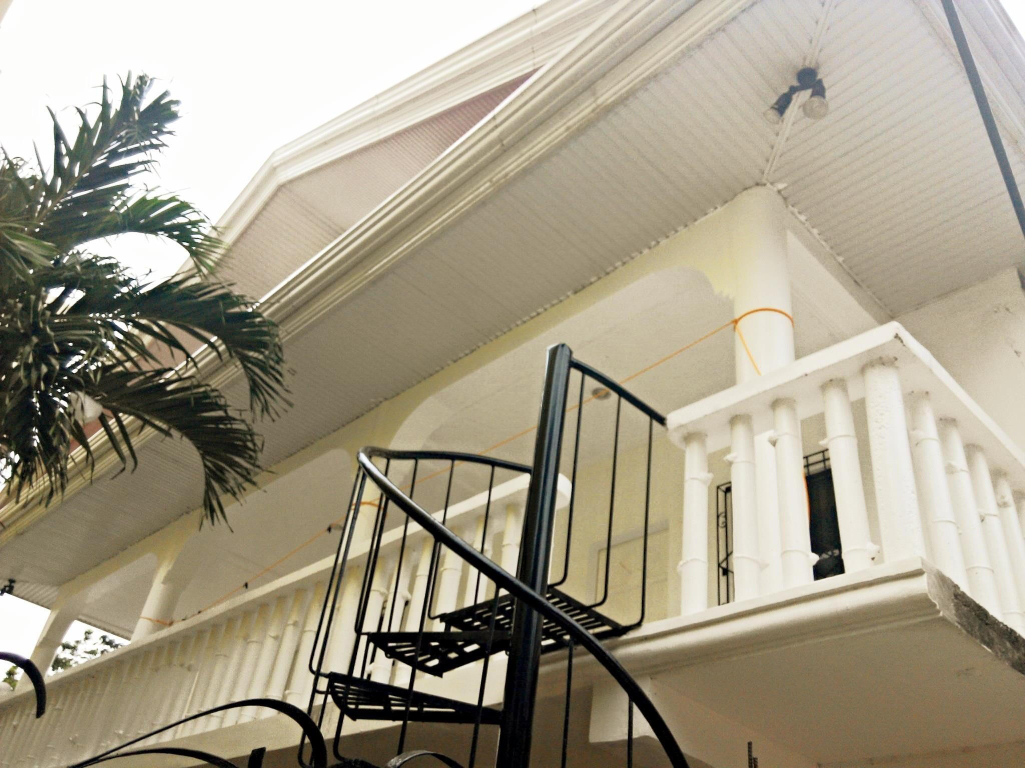 812 Angol Boracay Apartment