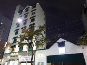 關於禾谷安妮飯店 (Hotel Anne Hwagok)