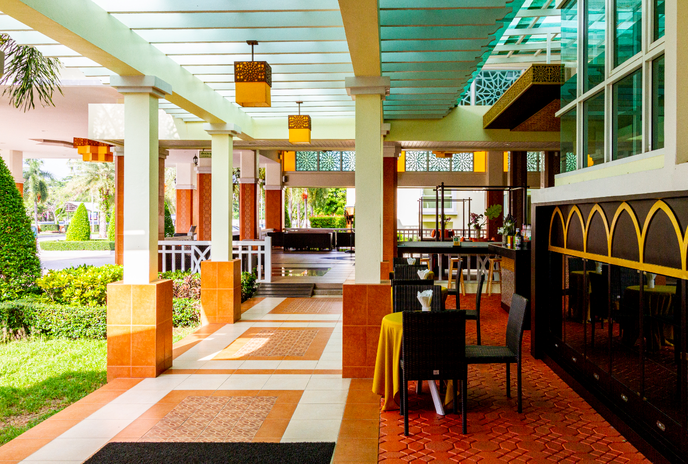 Krabi Front Bay Resort กระบี่ ฟร้อนท์ เบย์ รีสอร์ท