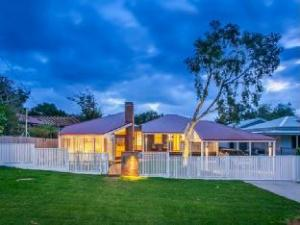 Bacchus Holiday Home
