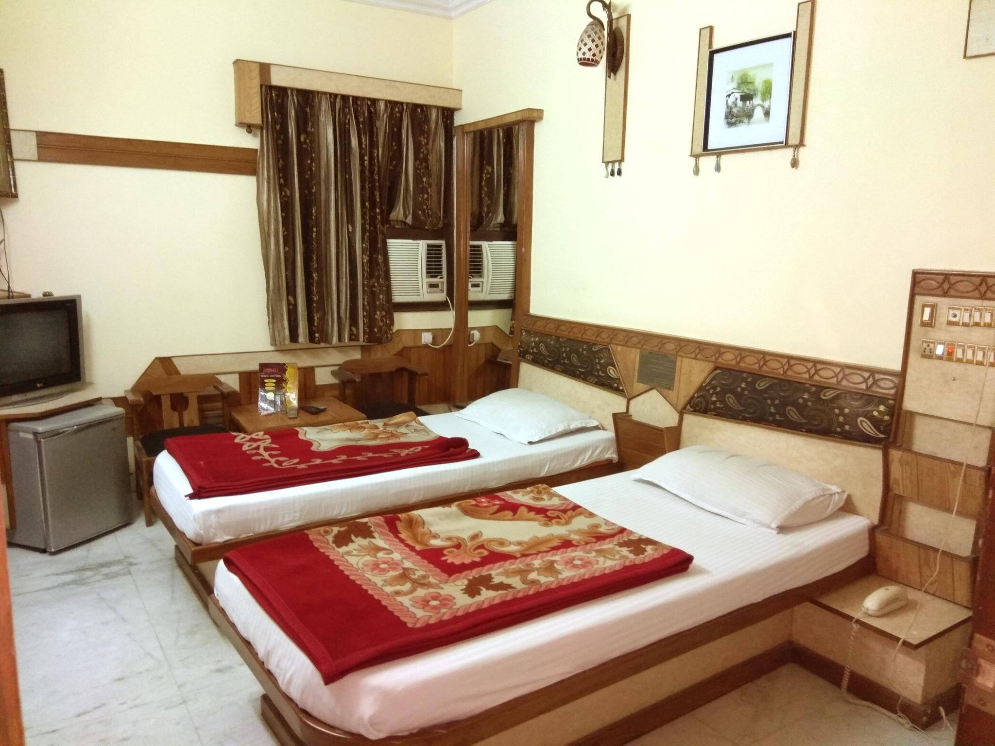 Cottage Crown Plaza Reviews