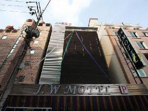 J.W Hotel