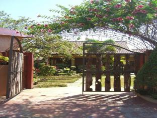 picture 3 of G and E Garden Pavilion  and La Verandah Hotel