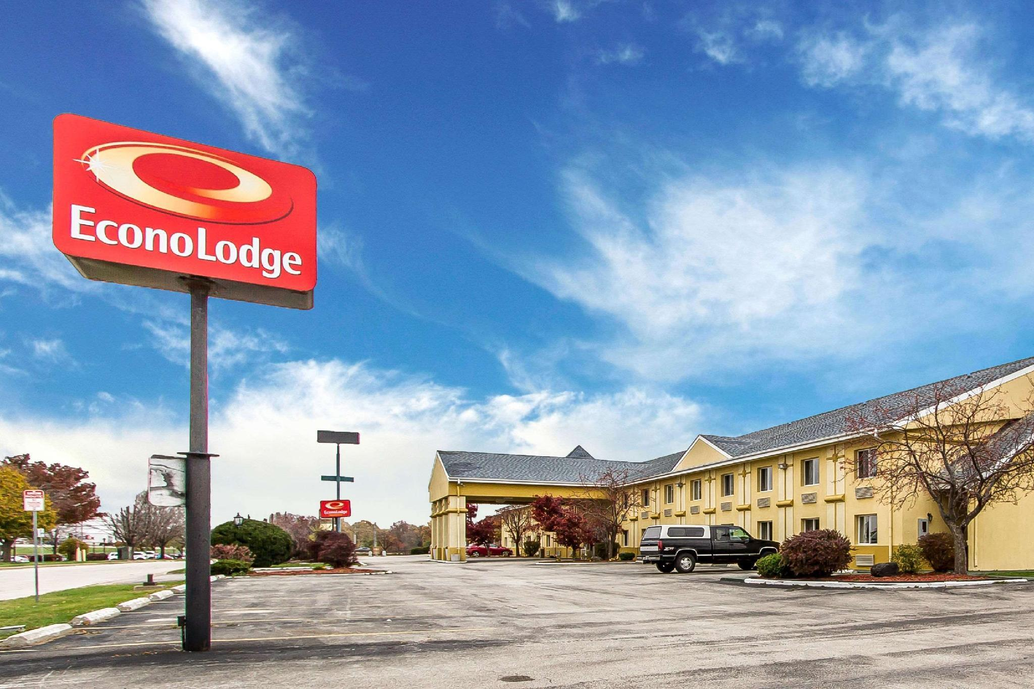 Econo Lodge Inn And Suites Bloomington
