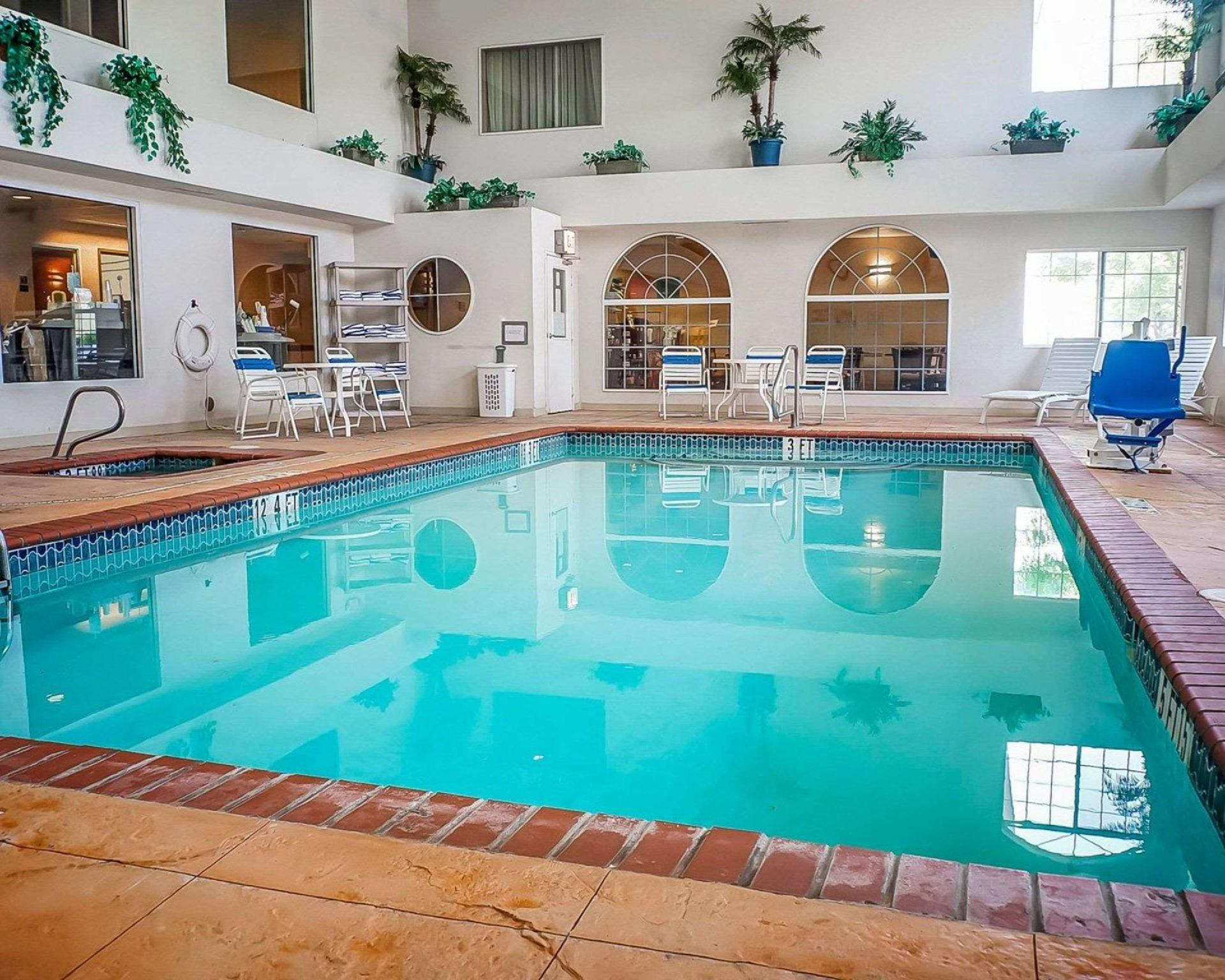 Quality Inn�and Suites
